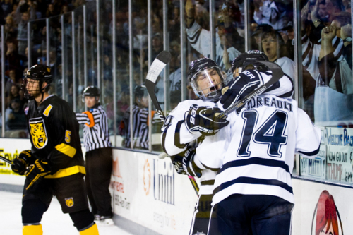 Photo of Freshmen lead UNH Wildcats over Colorado College Tigers, 6-2