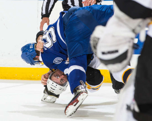 Photo of Steven Stamkos Delivers Knockout Punch to Bruins