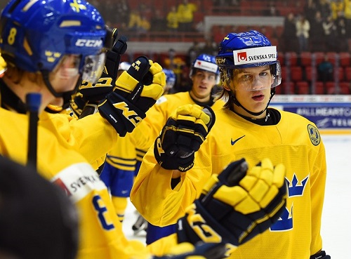 Photo of Sweden clinches Group A with win over Denmark at the 2016 World Junior Championships