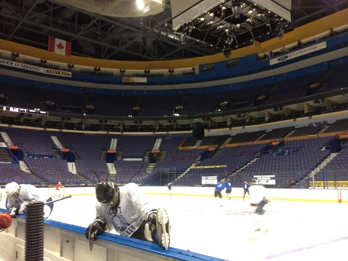 Photo of Despite lockout, hockey still played in St. Louis