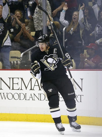 Sidney Crosby continues to light the lamp this season
